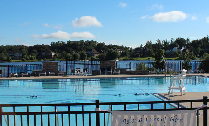 Island Lake of Novi Pool